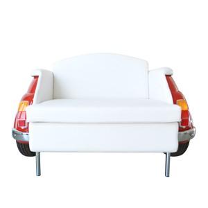 milano divano rosso a due posti fiat 500 vernice rossa rivestimento pelle bianca centrale arredamento palermo design arredo pisticci matera basilicata