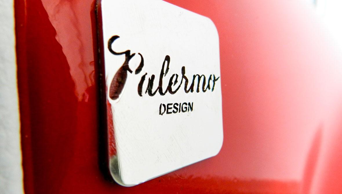 slide fiat 500 scrivania desk ufficio elegante spaziosa palermo design cofano arredo creativo bianco rosso pisticci matera basilicata