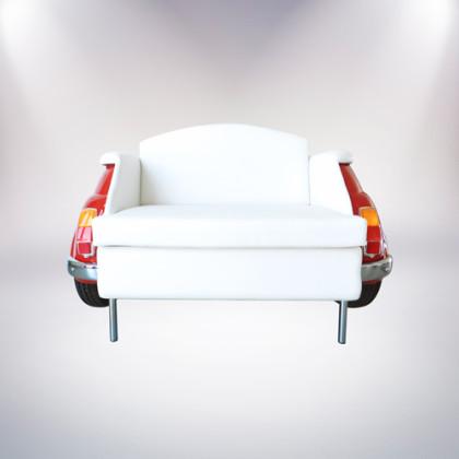 milano divano rosso a due posti fiat 500 vernice rossa rivestimento pelle bianca fronte palermo design arredo pisticci matera basilicata