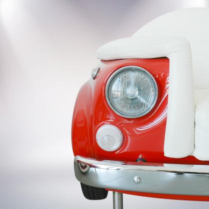 particolare poltrona un posto fiat 500 vernice rossa rivestimento pelle bianca palermo design arredo ufficio pisticci matera basilicata